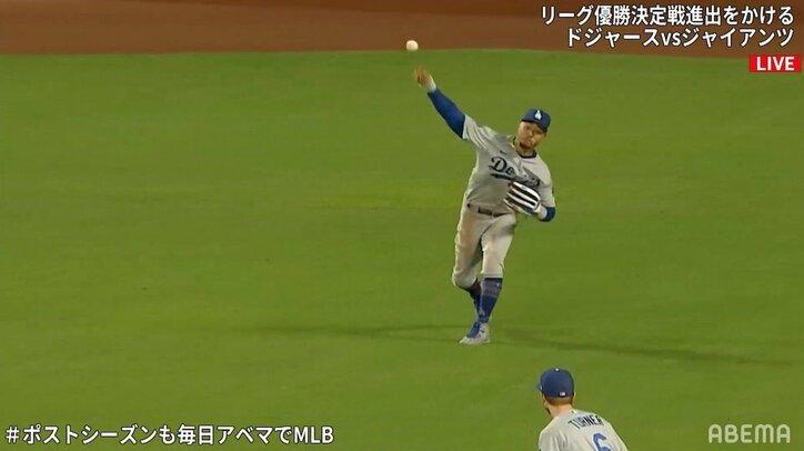 ライトから矢のような送球 ドジャース・ベッツが反撃の流れを止めるファインプレー 「捕球と一緒にランナー確認してる」
