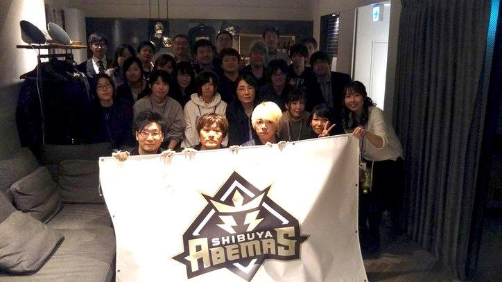 選手に大量バレンタインチョコ 多井隆晴「手渡しだけで230個ぐらい」渋谷ABEMASは3人で400個超え/麻雀・Mリーグ